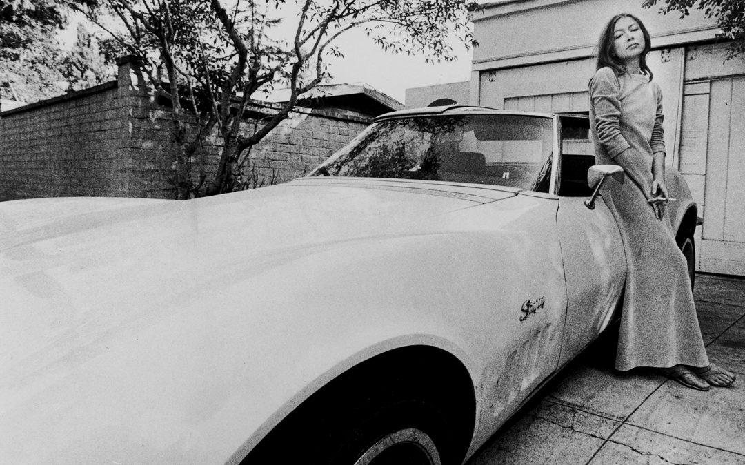 Joan Didion: Jornalista, ensaísta, dramaturga, roteirista e romancista.