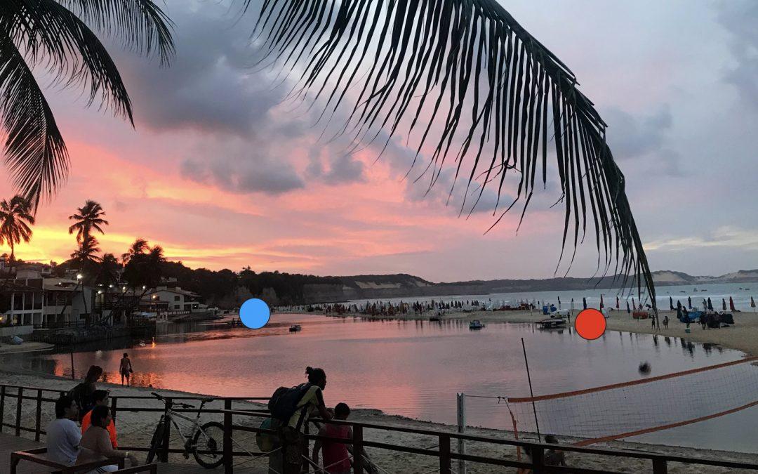 Lagoa formada por marés na Praia da Pipa, RN