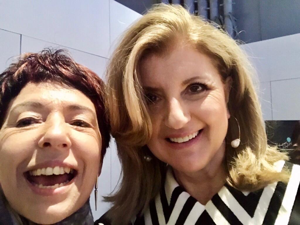 Minha selfie com Arianna Huffington após reunião com apenas 12 jornalistas sobre seu projeto Thrive Global