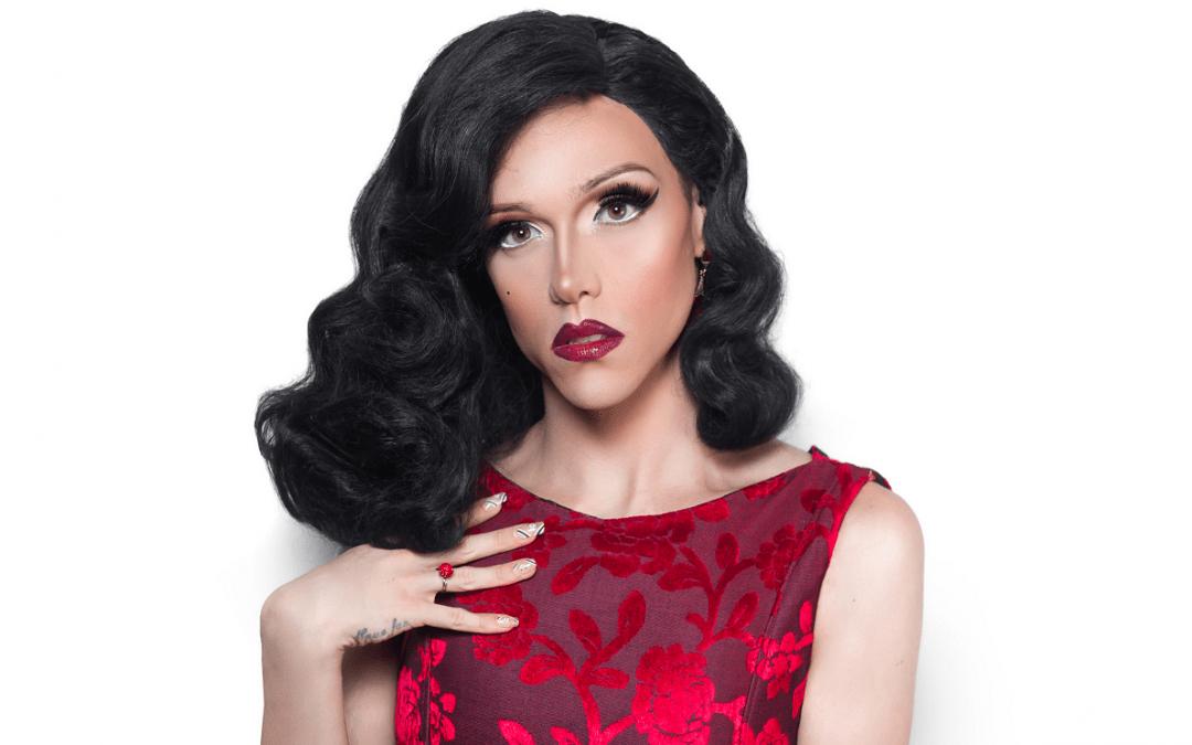 Rita Von Hunty é um professor, ator, YouTuber, comediante e drag queen sobre a sigla LGBTQIA+